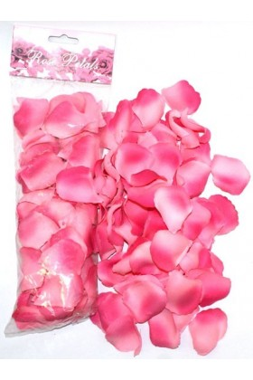 Petales de roses en tissus rose
